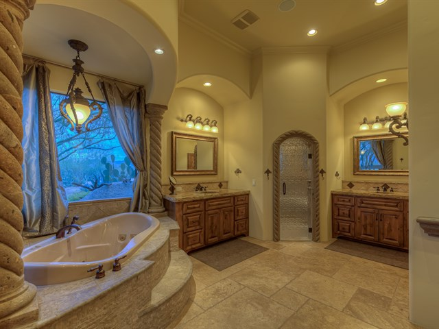 Luxury custom home construction in scottsdale arizona for Custom master bathroom designs